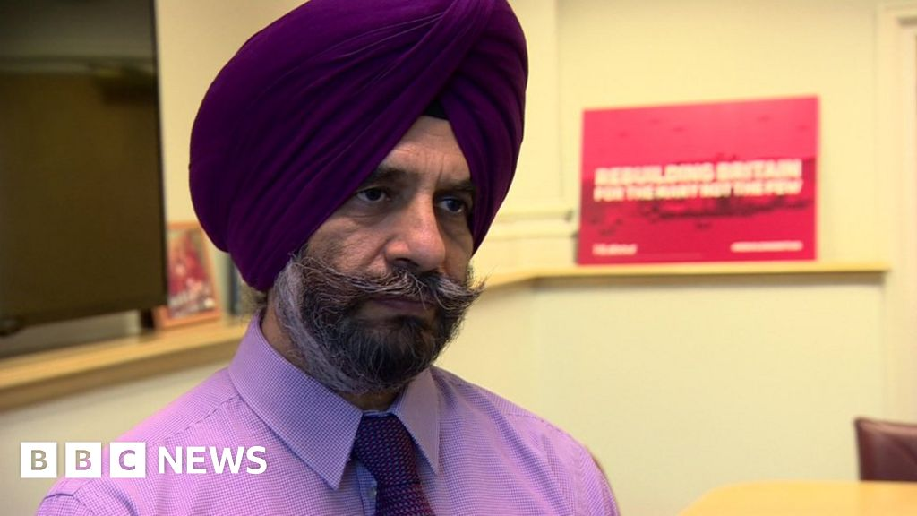 Redbridge Council leader cleared of Labour 'axe to grind' complaint thumbnail