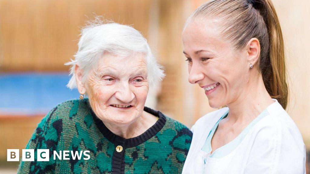 Ngành chăm sóc 'rò rỉ' 1,5 tỷ bảng mỗi năm