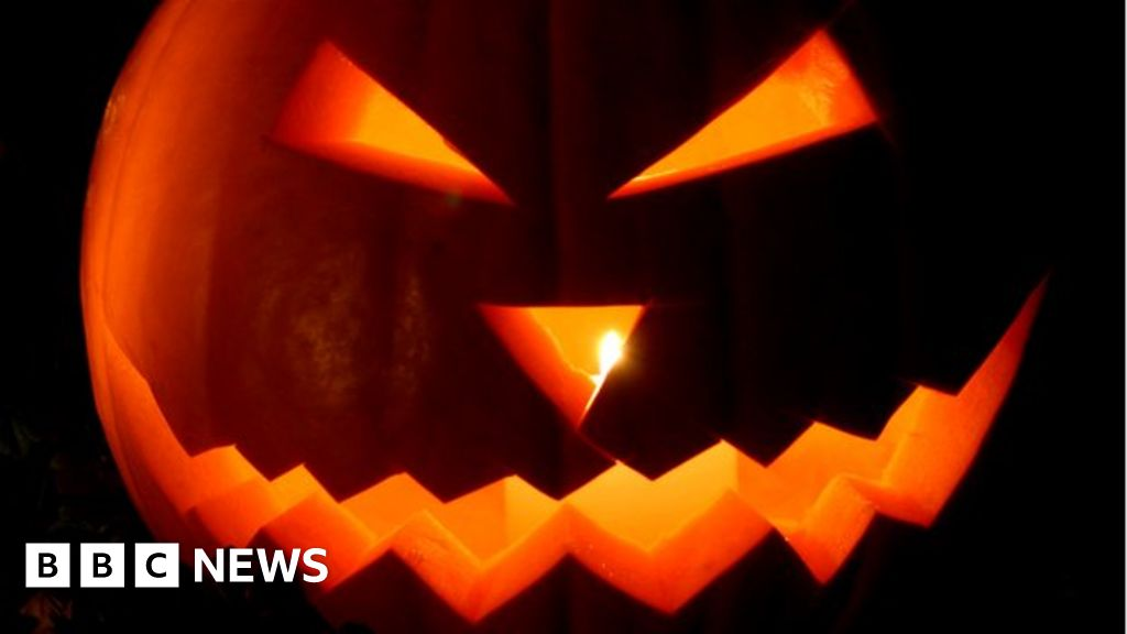 Airbnb blocks US Halloween bookings over party fears