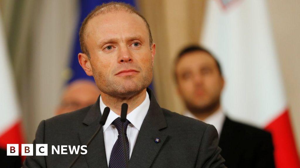 Daphne Caruana Galizia: Protests grip Malta as PM defies calls to quit