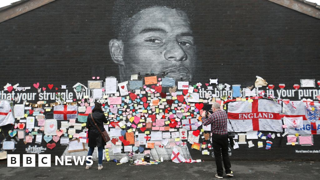Marcus Rashford mural messages of support to be preserved - BBC News