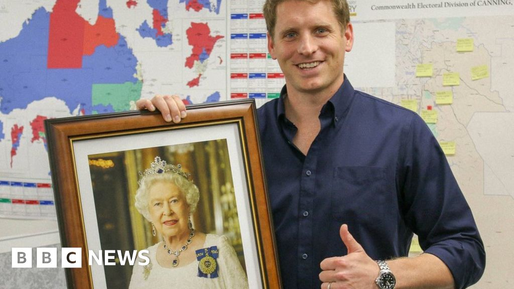 Why Aussies suddenly want a Queen portrait
