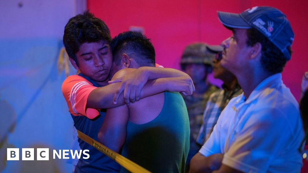 Mexico bar attack leaves 25 dead