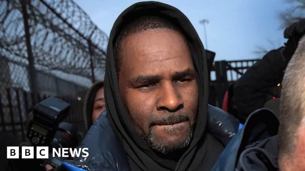 R. Kelly freed after child support paid thumbnail