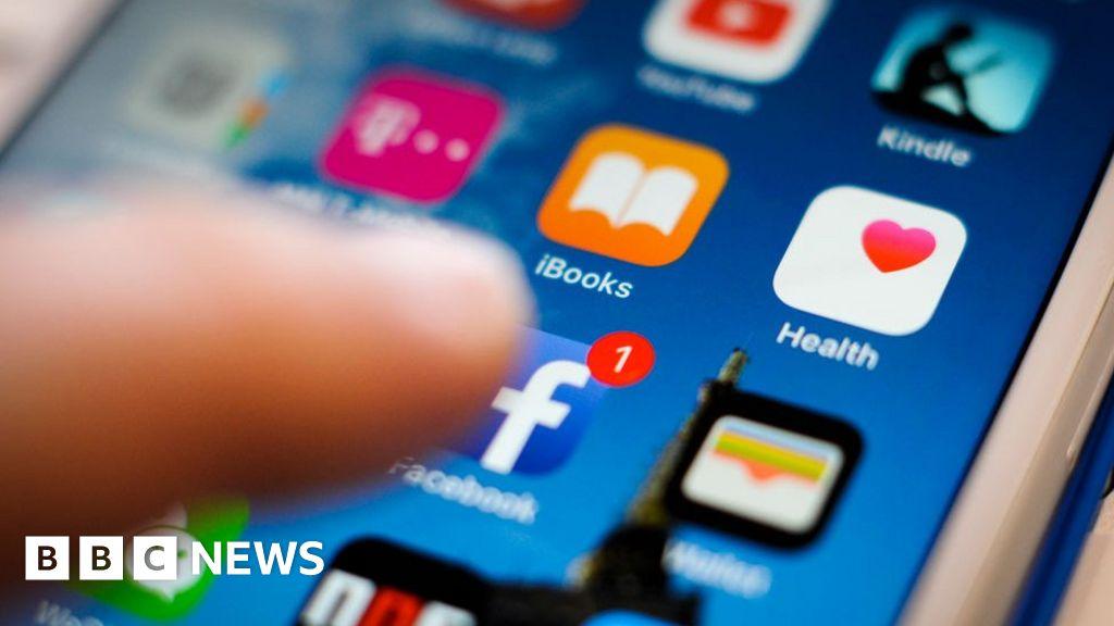 Russia 'meddled in all big social media'