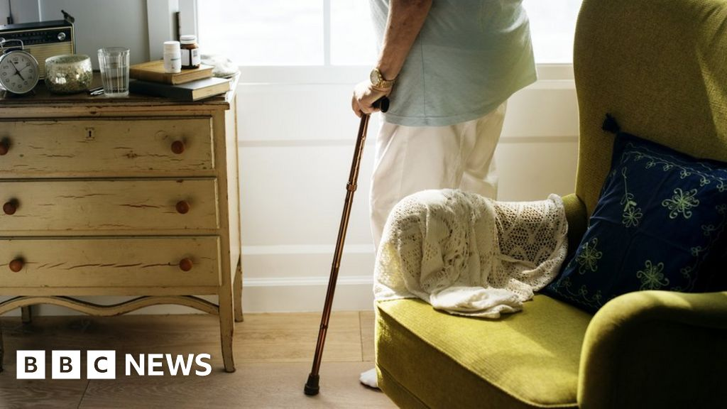Coronavirus in Scotland: Half of deaths now in care homes