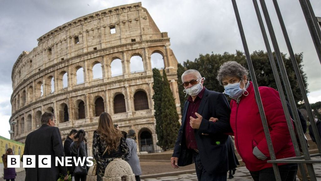 Coronavirus: Italy to close all schools as deaths rise