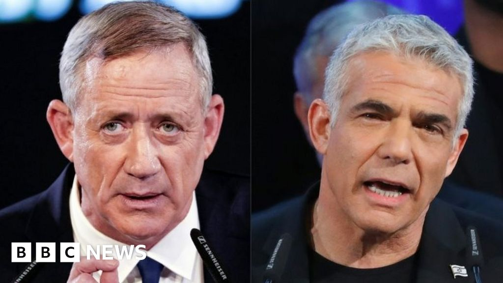 Israel elections: Netanyahu challengers Gantz and Lapid join forces - BBC News thumbnail