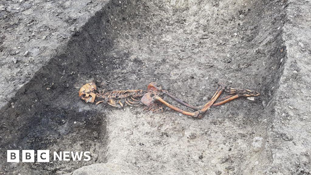 'Mystery' Iron Age murder victim found in HS2 dig