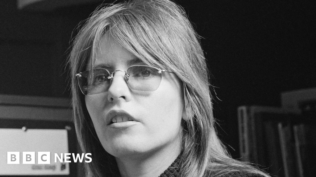 Judy Dyble: Fairport Convention singer dies aged 71