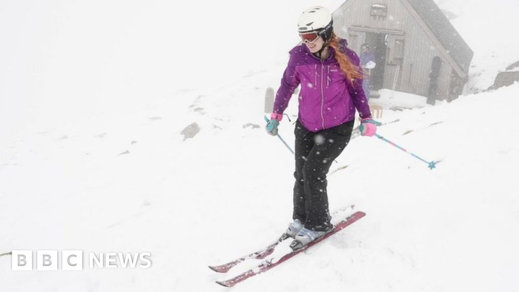 Snow in May: Lake District skiers 'giddy' in unseasonal weather