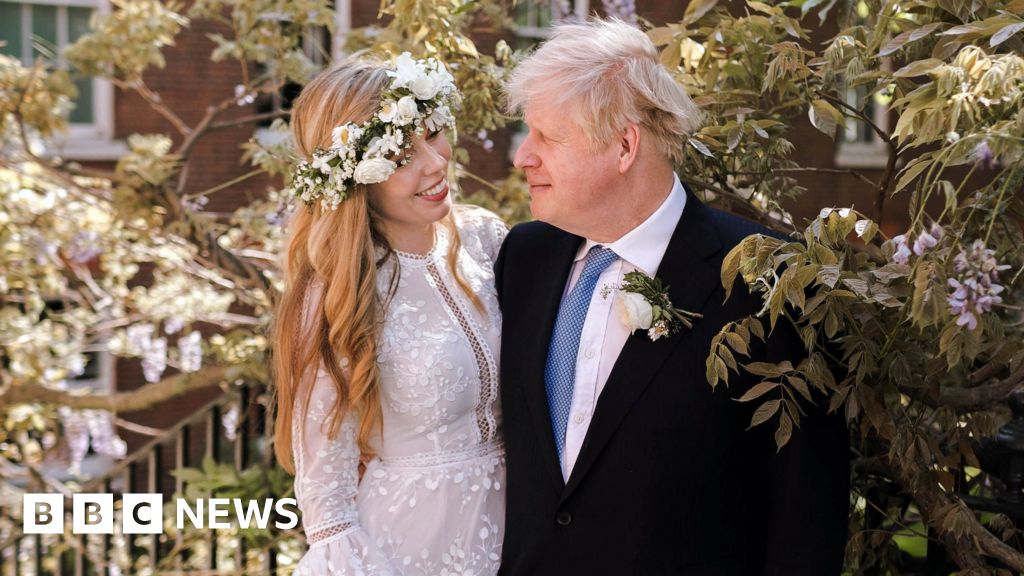 Boris Johnson marries Carrie Symonds at Westminster Cathedral