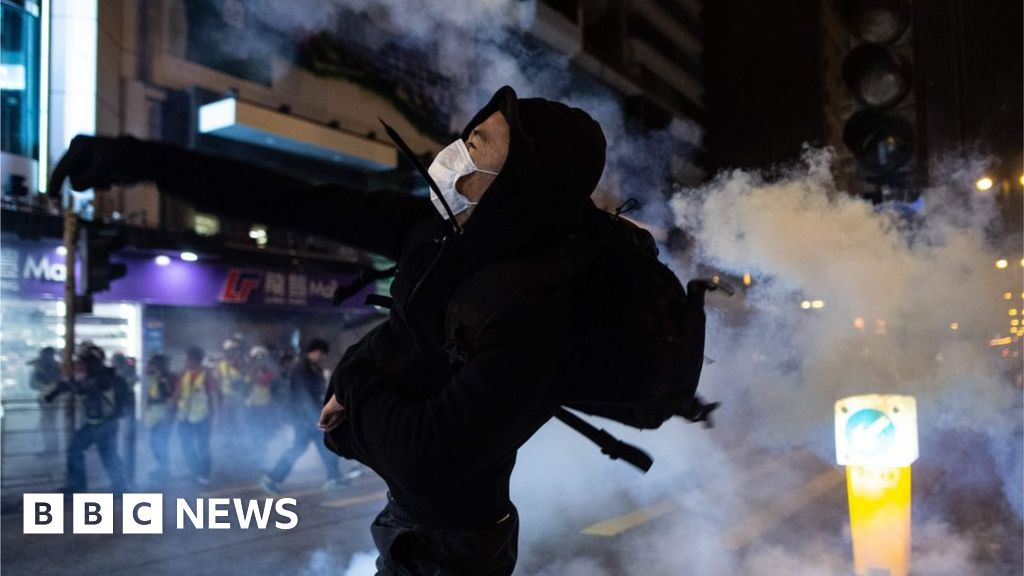 Hong Kong protests: on Christmas eve rallies lead to clashes