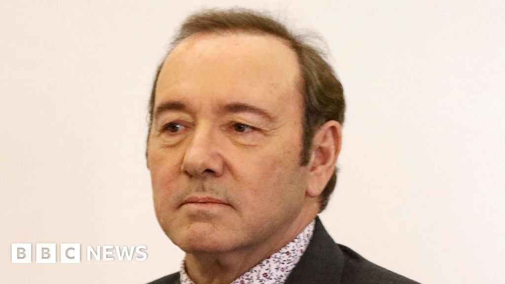 Kevin Spacey 'groping' civil case dropped