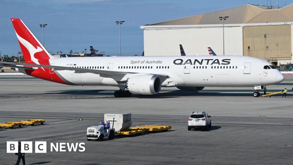 Qantas to run test flights on world's longest route