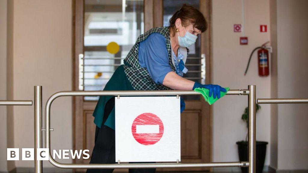 Coronavirus: it Can spread through door handles? And other questions