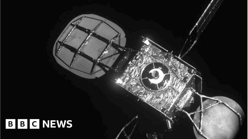 Docking gives telecoms satellite new lease of life