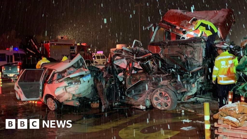 China lorry in deadly toll station crash