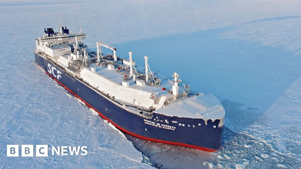 f7a8a558d12 First tanker crosses northern sea route without ice breaker - BBC News