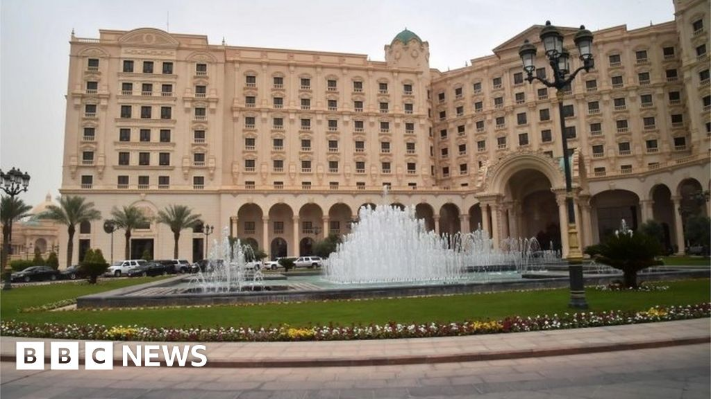 Saudi Ritz 'gilded jail' hotel to reopen - BBC News