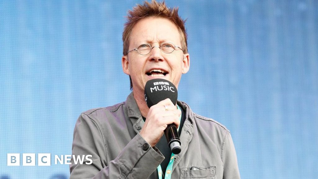 Simon Mayo launches the classic station Scala Radio after leaving Radio 2
