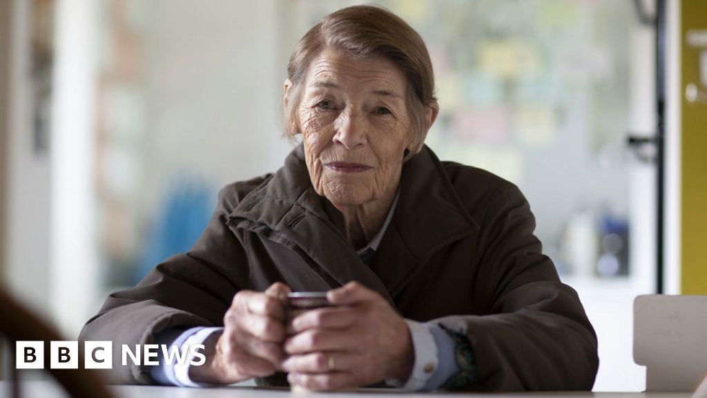 Glenda Jackson 'shines' on TV return