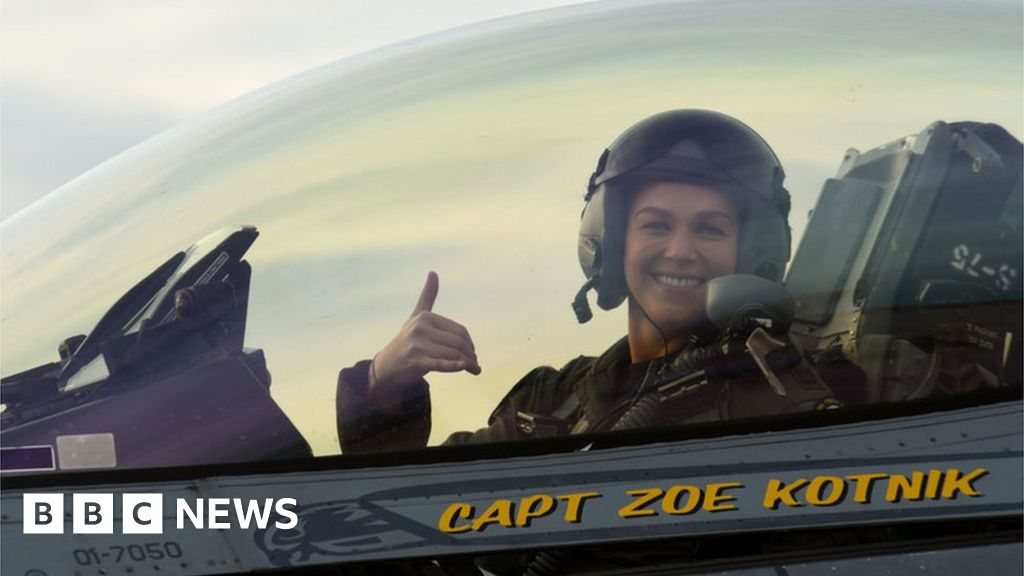 First female US F-16 demo commander out