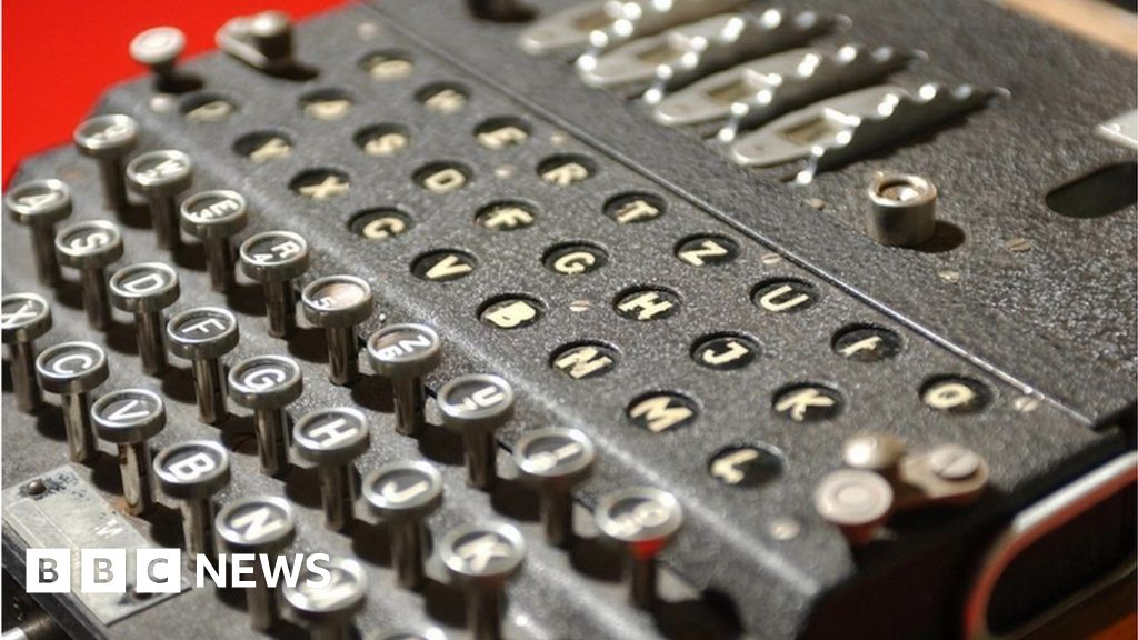 Code-cracking WW2 Bombe operation recreated at Bletchley