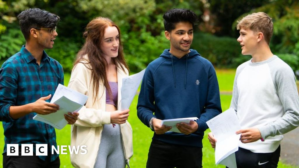 A-Levels in Wales: Changes considered to grading system