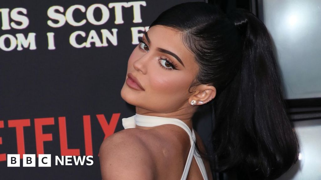 Kylie Jenner sells stake in cosmetics company for $600m - BBC News