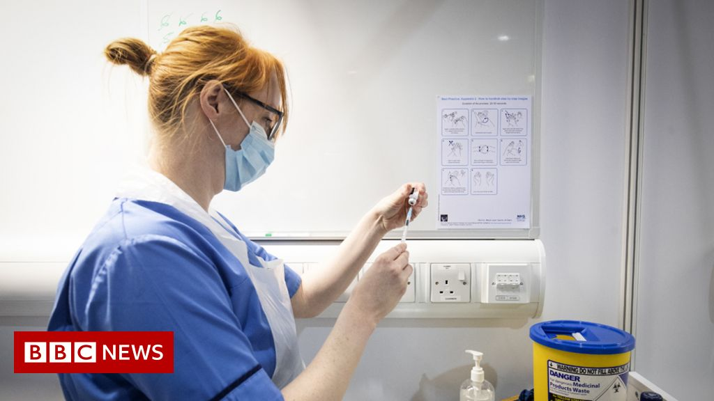 Nurses in Wales asked about industrial action in pay rise row