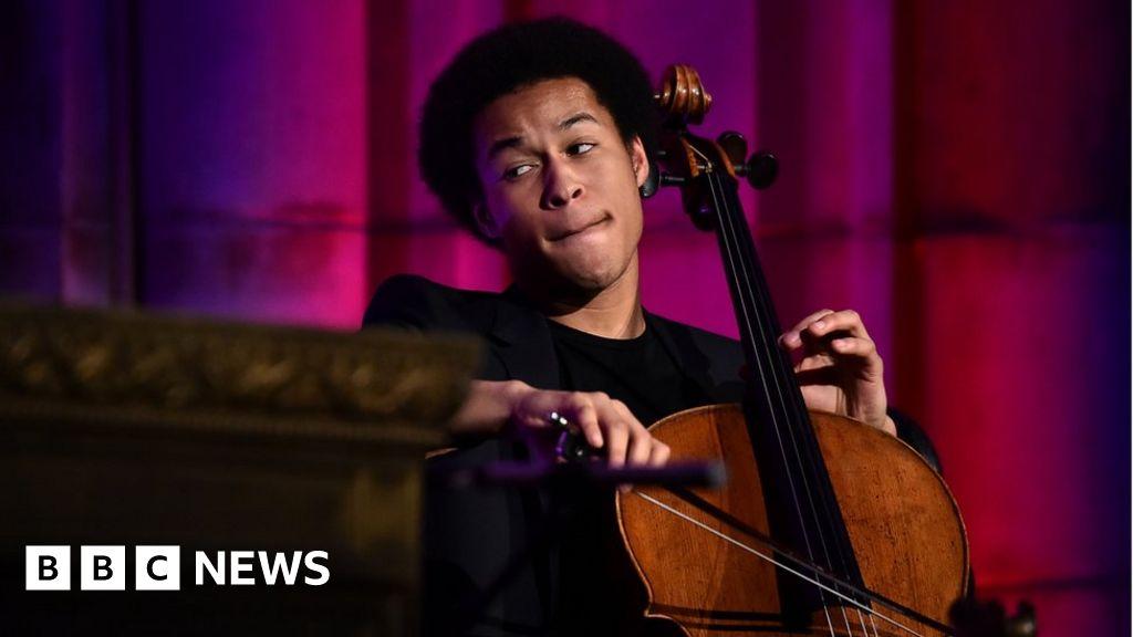 Sheku Kanneh-Mason: Apology after cellist's passport cancelled