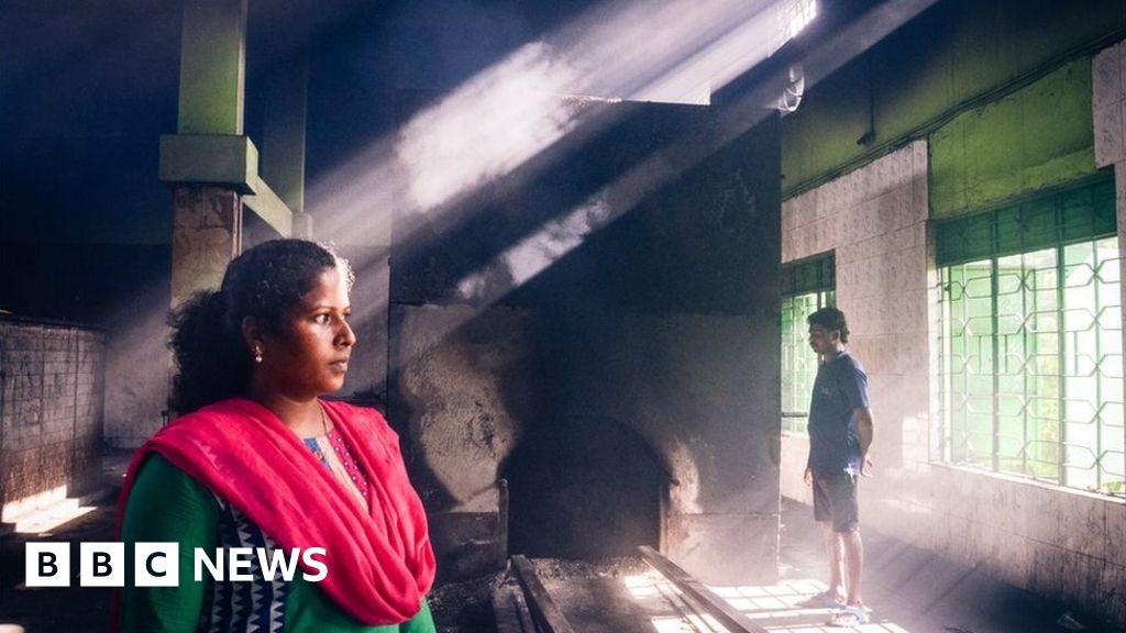 The Chennai woman who runs a Hindu crematorium - BBC News