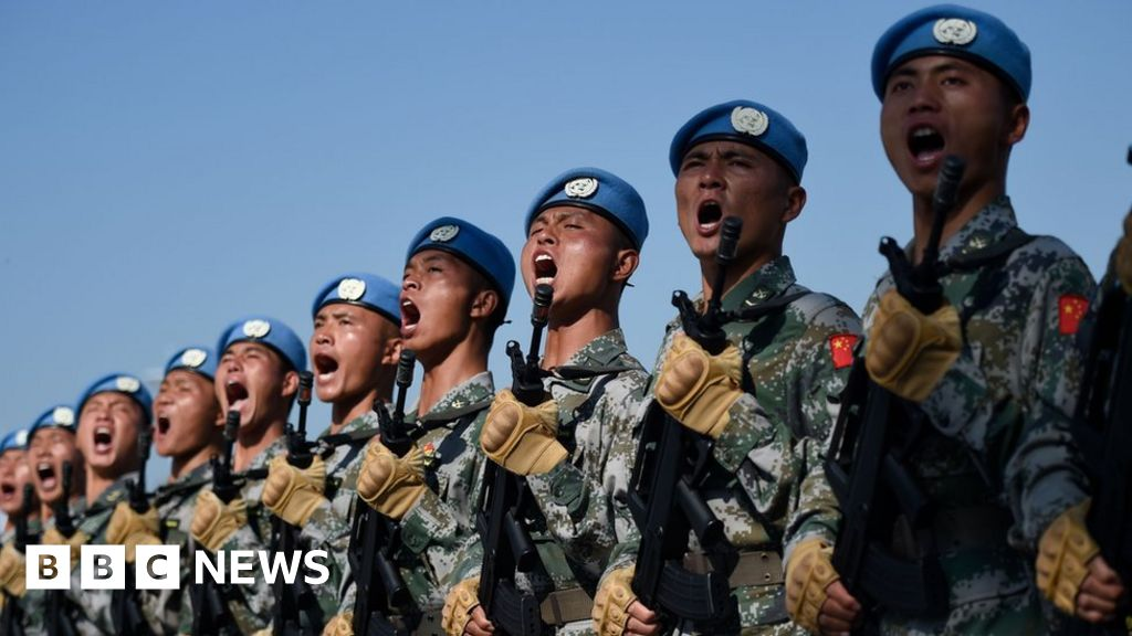 China anniversary: Military parade brings out the big guns