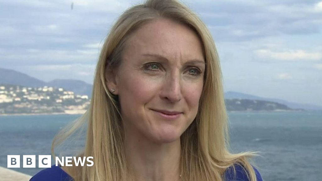 Paula Radcliffe Reveals Death Of Father And Thanks Nhs Bbc News