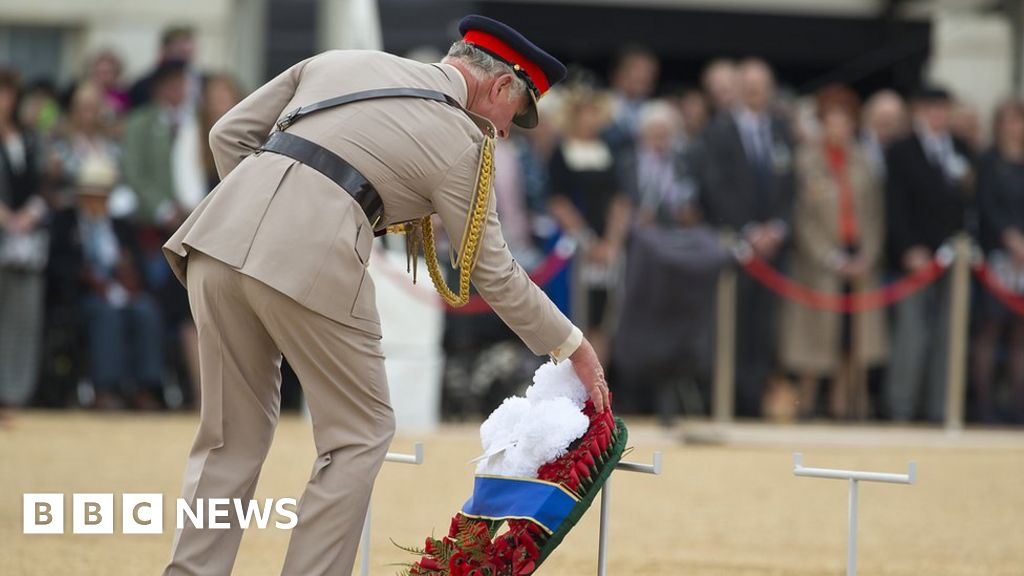 VJ Day: UK commemorates 75th anniversary as royals lead tributes