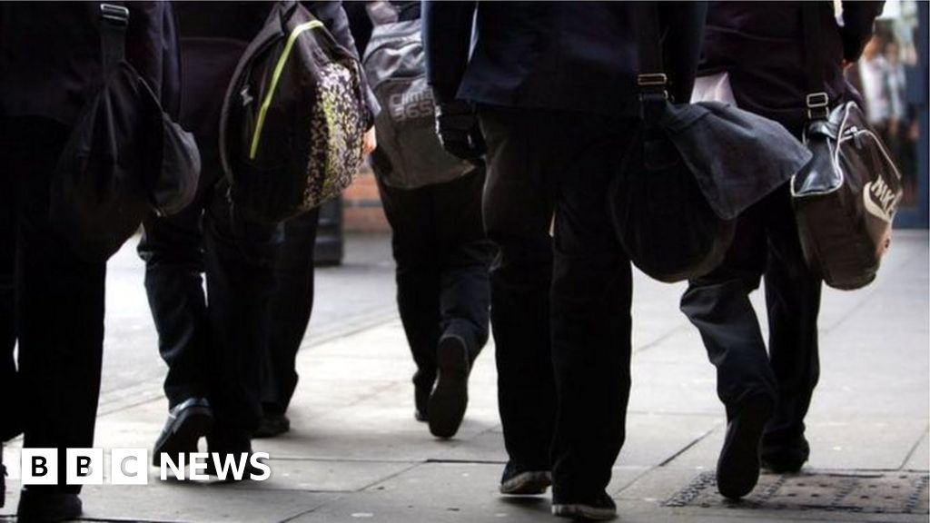 NI GCSE results to be based on teacher predictions