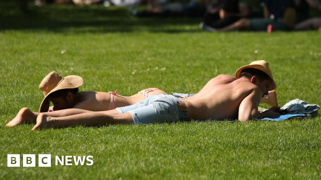 Should outdoor exercise be banned and parks closed?