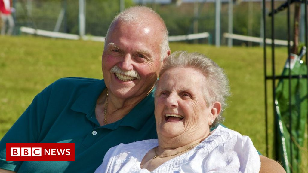 The mother and son who waited 58 years for a hug