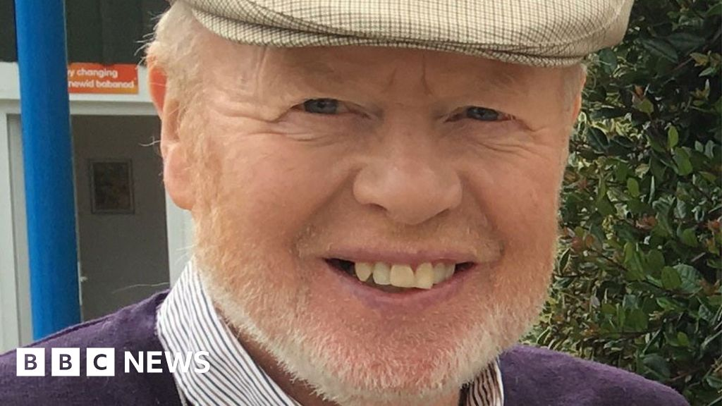 Folly Farm founder Glyndŵr Williams dies