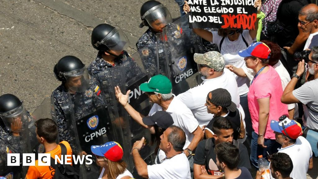 Venezuela braces for rival protests thumbnail
