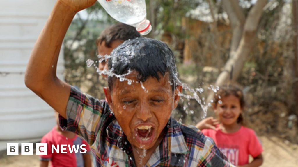 Climate change: 'Rising chance' of exceeding 1.5C global target