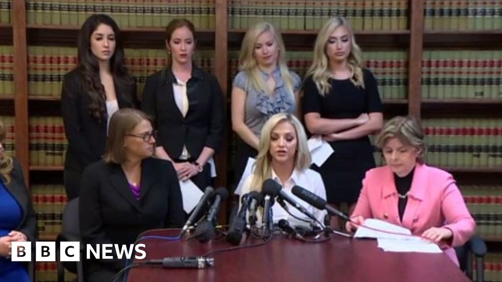 Houston Texans cheerleaders sue NFL team for ...