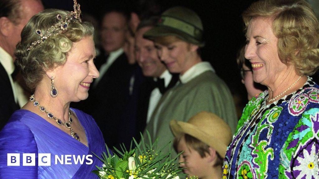 Dame Vera Lynn: kingship and Boris Johnson lead tributes