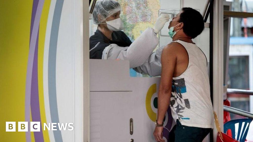 कोविद -19: समुद्री खाद्य बाजार में वायरस के प्रकोप के बाद थाईलैंड हजारों परीक्षण करता है
