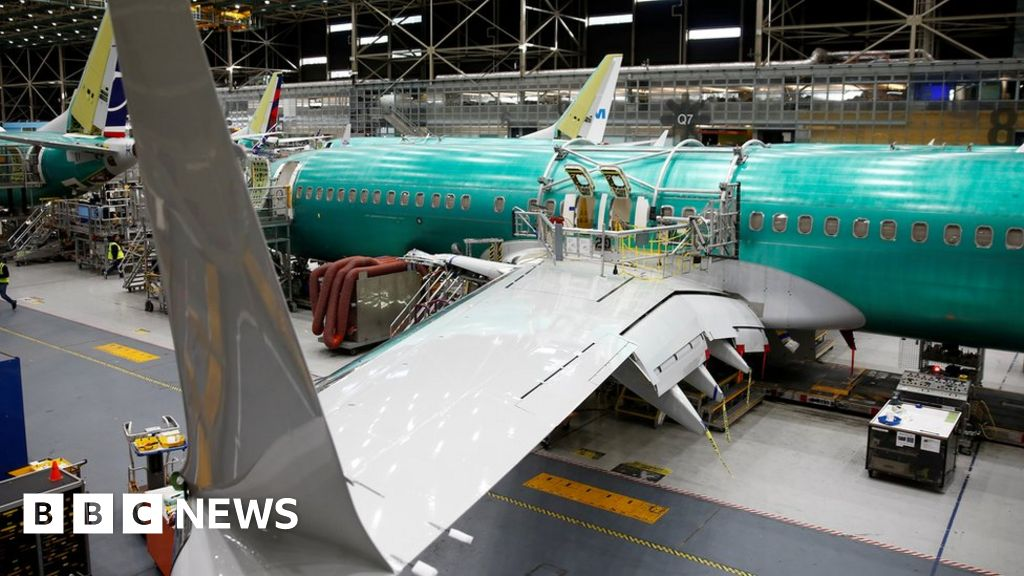 Boeing takes $5bn hit to cover 737 Max crisis thumbnail
