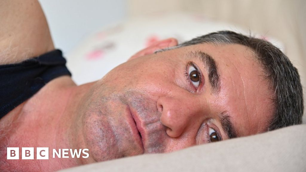 Chronic health issues for third in late 40s - study