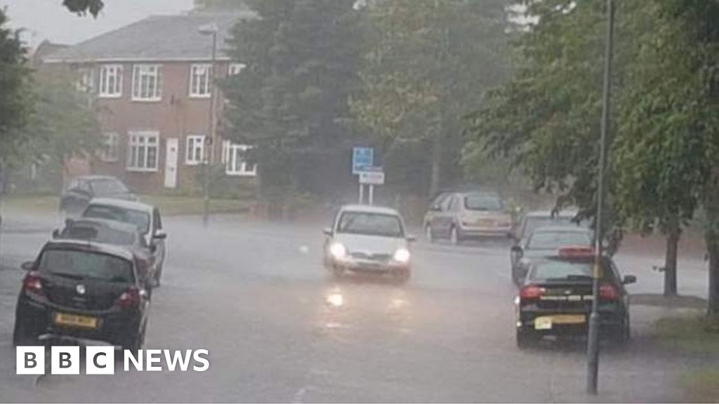 Midlands streets flooded and trains delayed as floods hit thumbnail