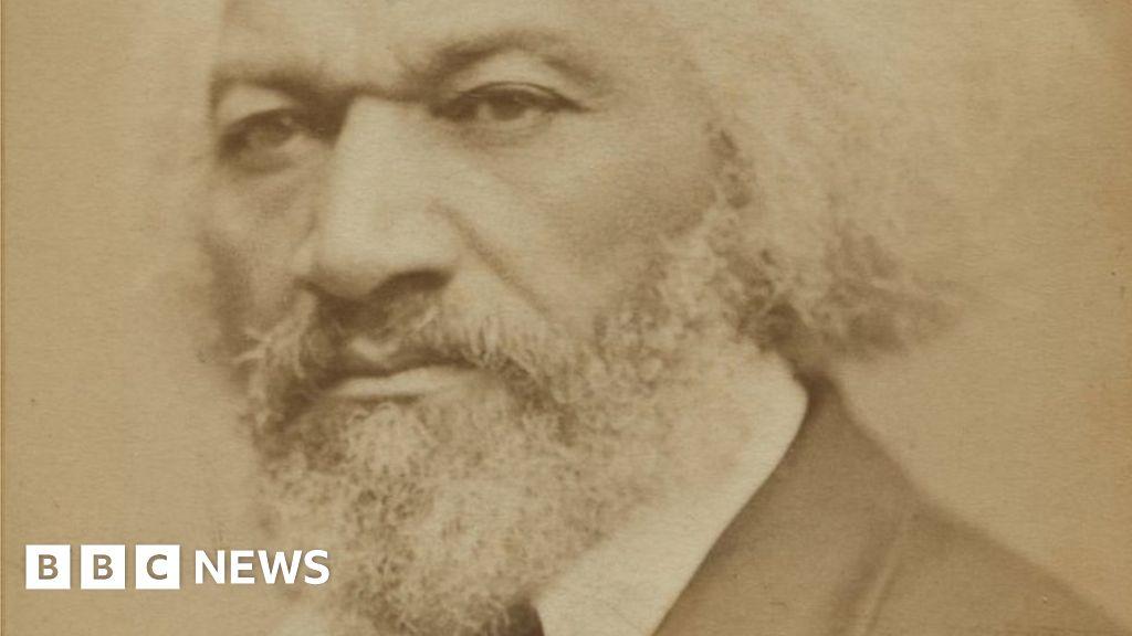 Frederick Douglass: Historic US black activist's statue toppled thumbnail