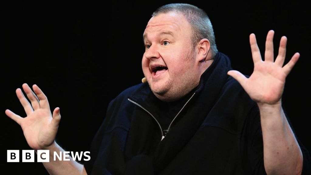 Facebook and Twitter replacement sought by Kim Dotcom